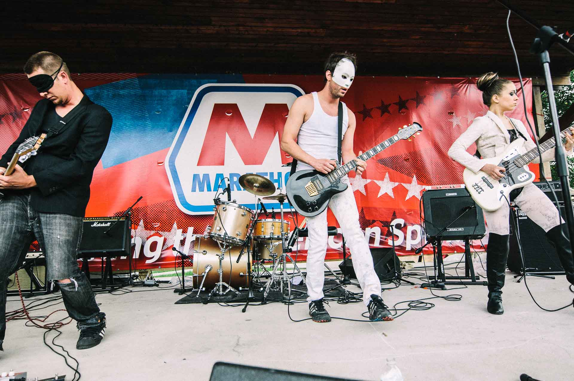 beta_male_live_x103_may_day_klipsch_music_center_indianapolis_052811-02