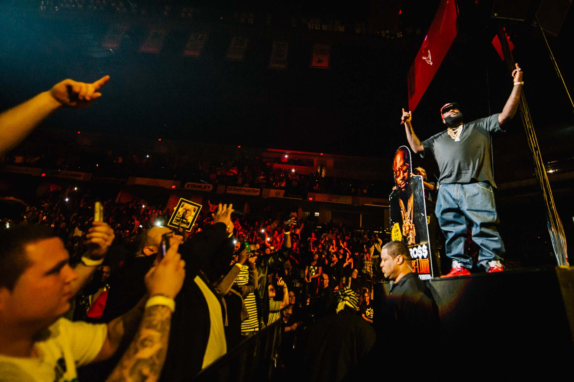 rick_ross_mmg_tour_bankers_life_fieldhouse_indianapolis-112012-03