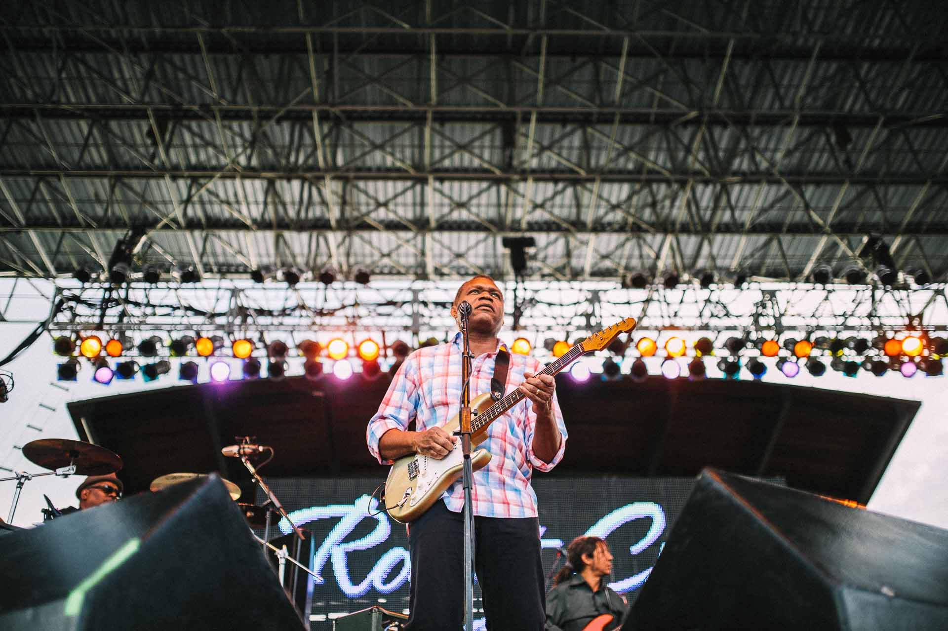 robert_cray_live_the_lawn_indianapolis_2013-02