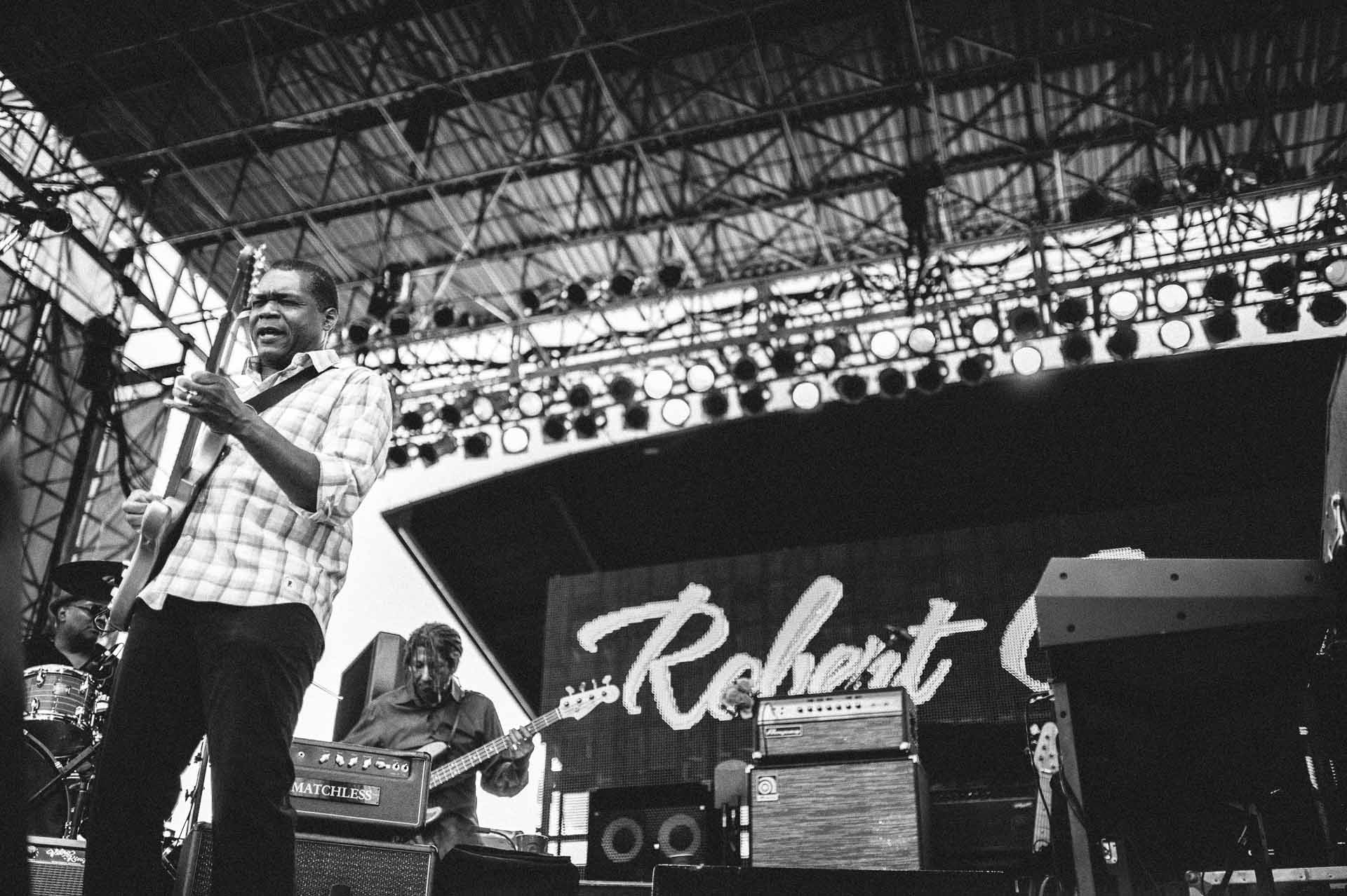 robert_cray_live_the_lawn_indianapolis_2013-04