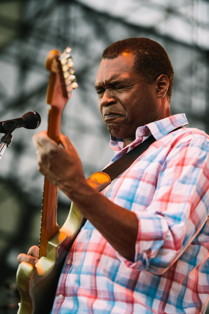 robert_cray_live_the_lawn_indianapolis_2013-10