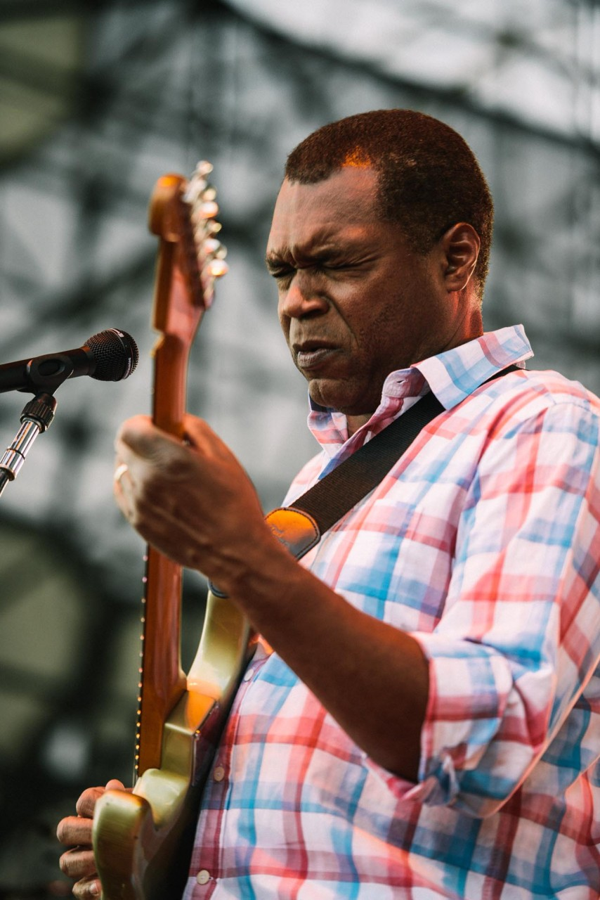 robert_cray_live_the_lawn_indianapolis_2013-12