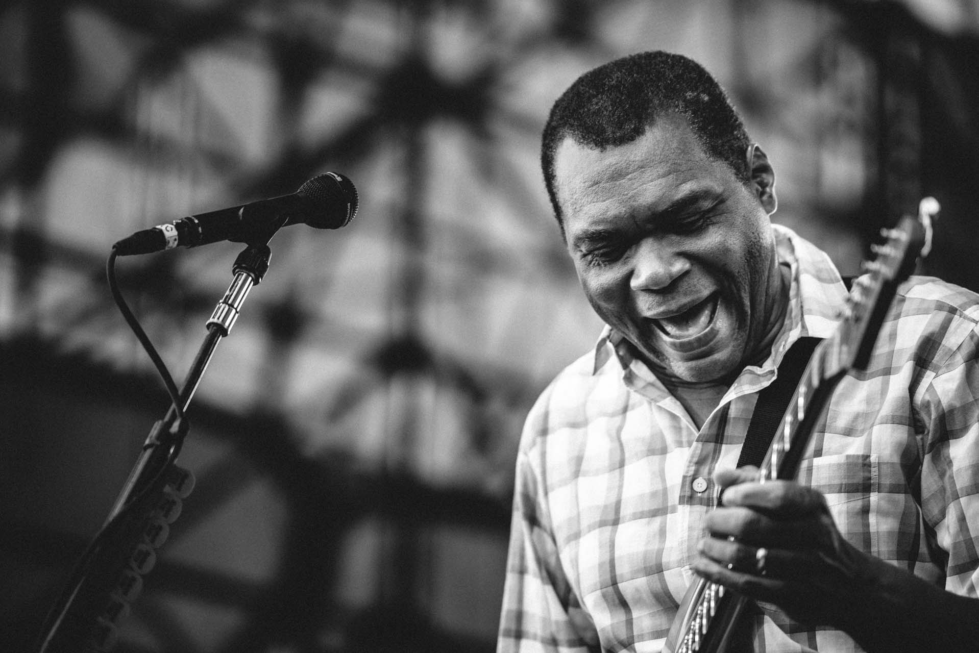 robert_cray_live_the_lawn_indianapolis_2013-15