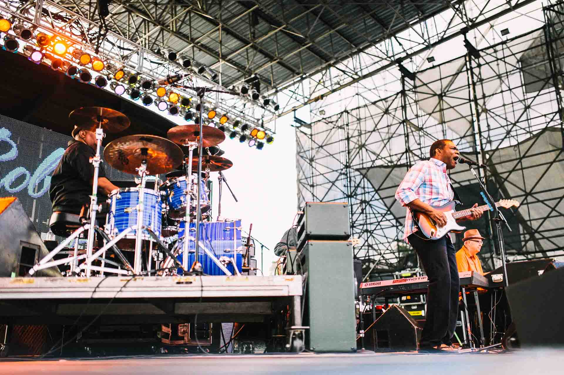 robert_cray_live_the_lawn_indianapolis_2013-17