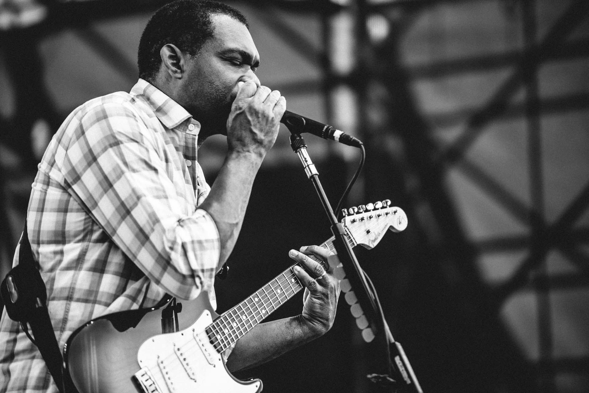robert_cray_live_the_lawn_indianapolis_2013-25