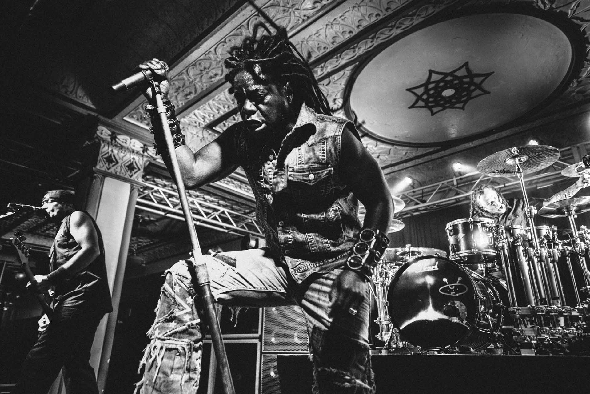 sevendust_live_deluxe_indianapolis_2013-03