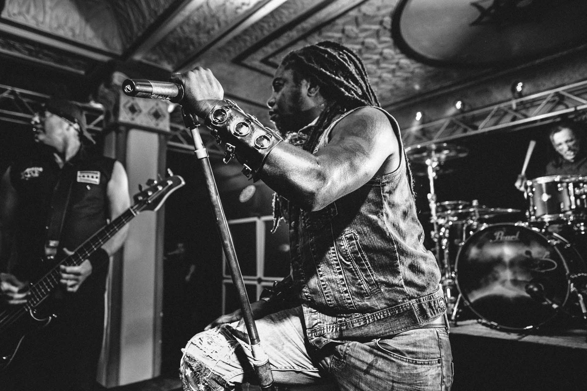 sevendust_live_deluxe_indianapolis_2013-07