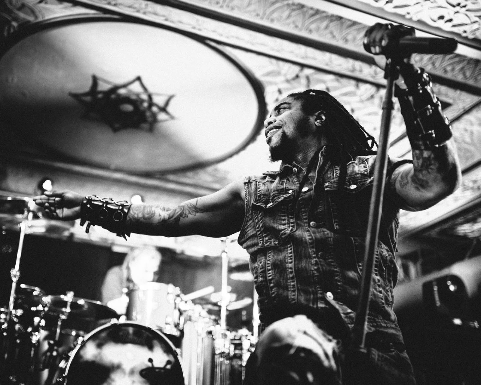 sevendust_live_deluxe_indianapolis_2013-15