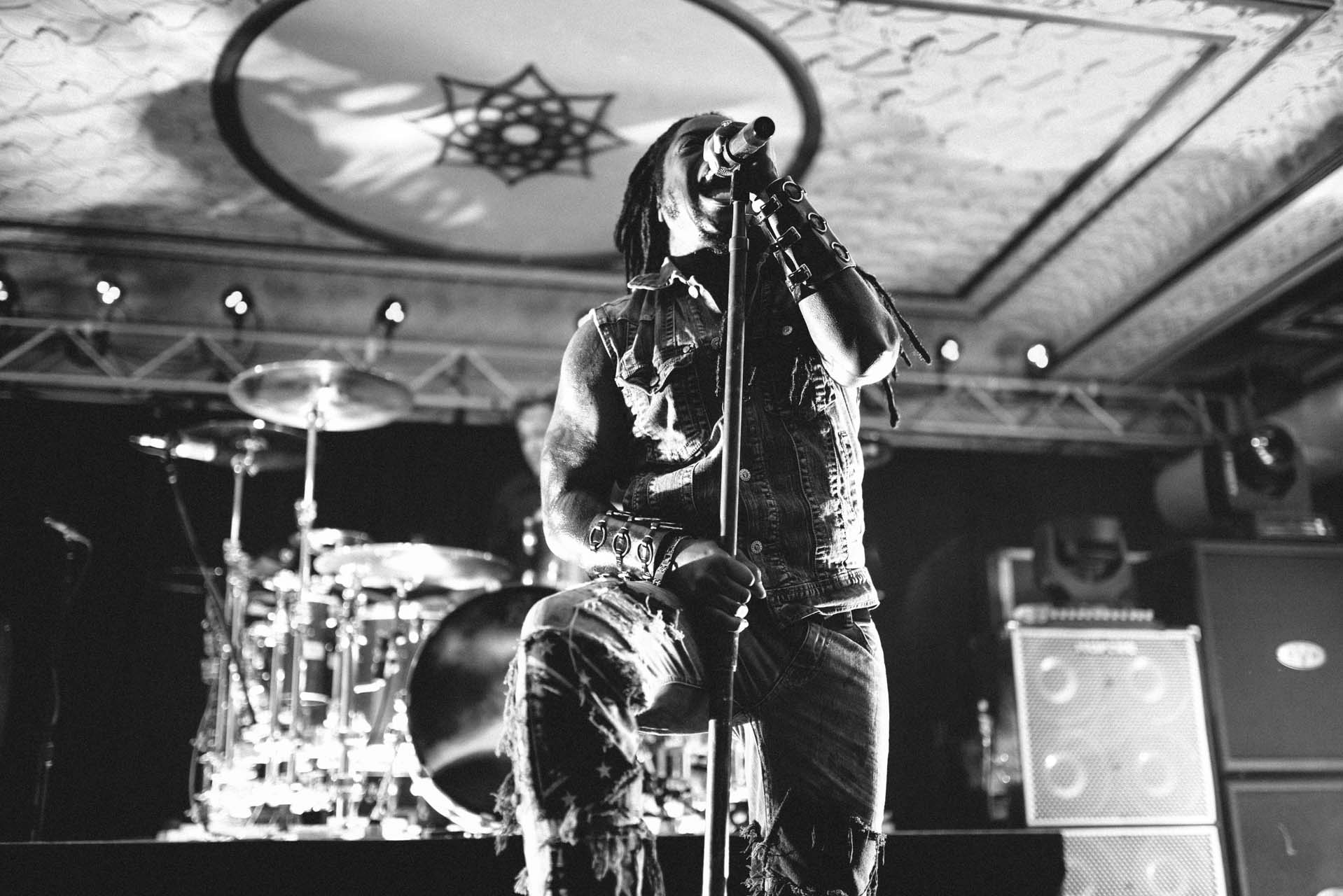 sevendust_live_deluxe_indianapolis_2013-25