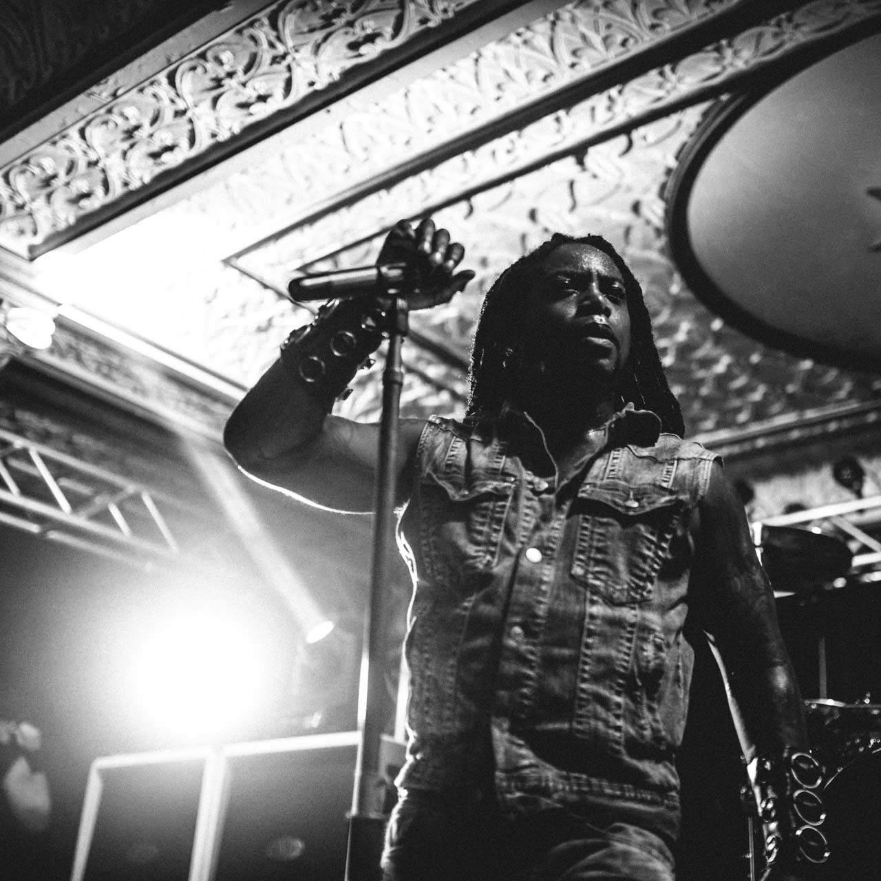sevendust_live_deluxe_indianapolis_2013-35