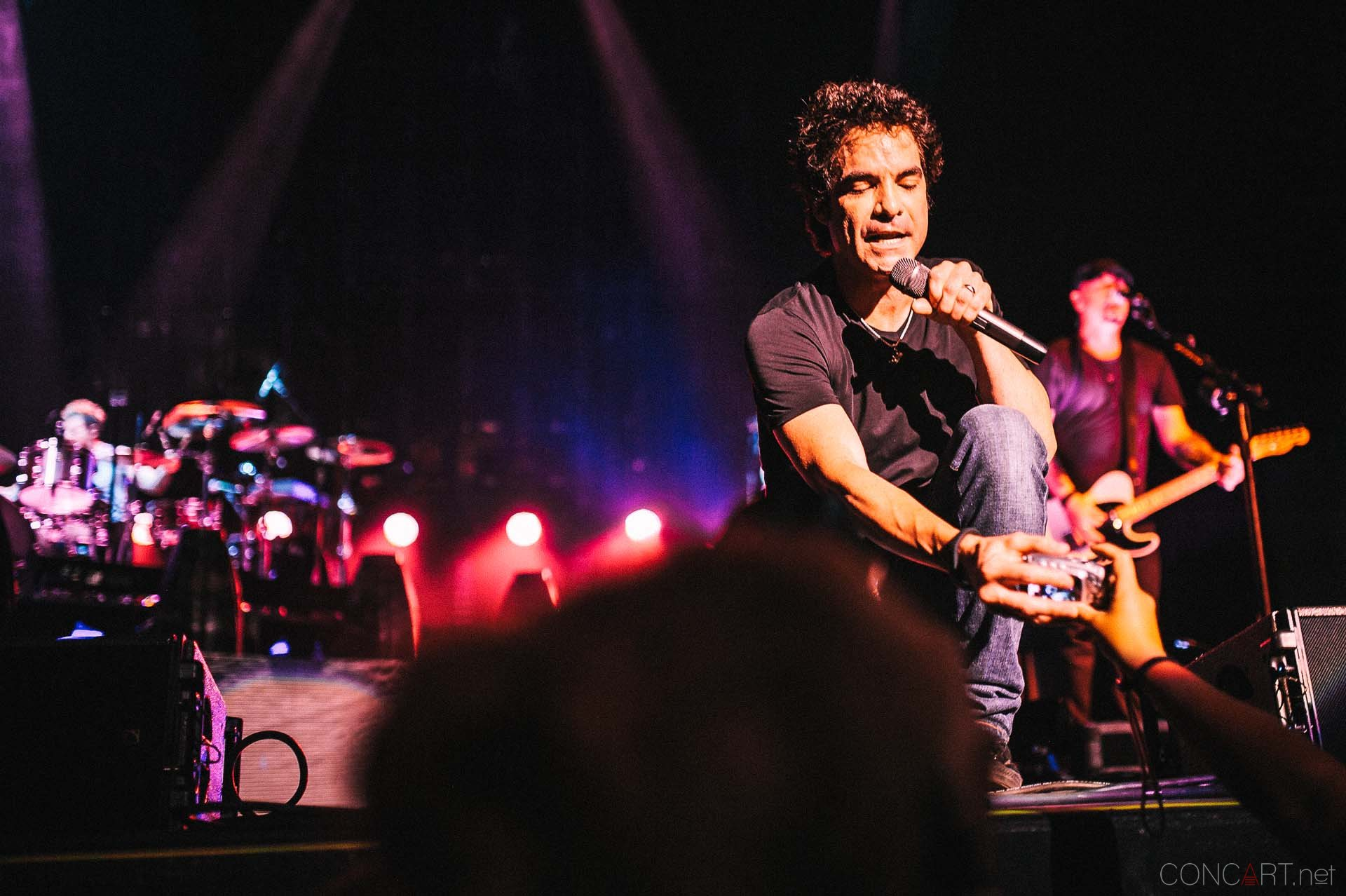 train_live_klipsch_music_center_indianapolis_2013-52