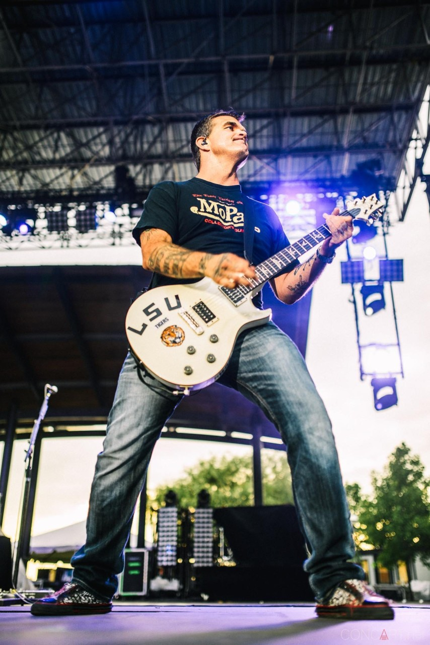 3_doors_down_live_the_lawn_indianapolis_2013-23