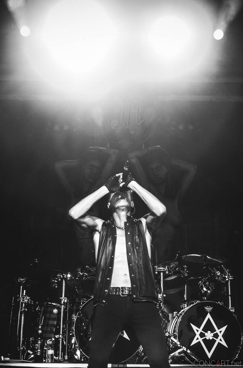 janes_addiction_live_x103_rockstar_uproar_festival_klipsch_indianapolis_2013-25