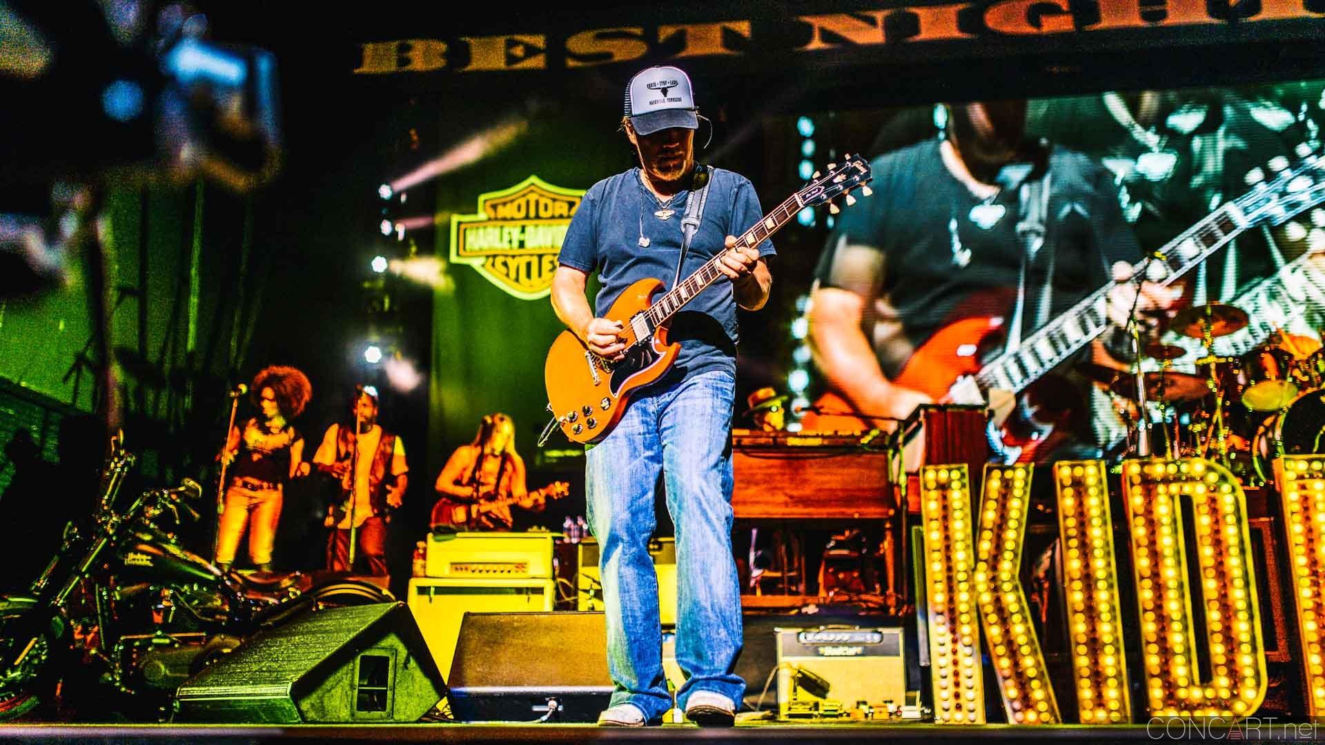 Kid Rock photo by Sean Molin 3