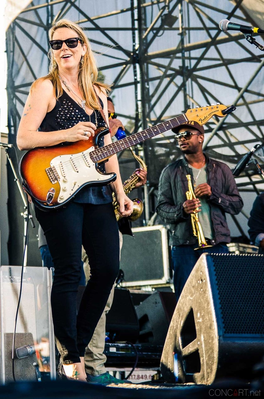 tedeschi_trucks_band_live_the_lawn_indianapolis_2013-01
