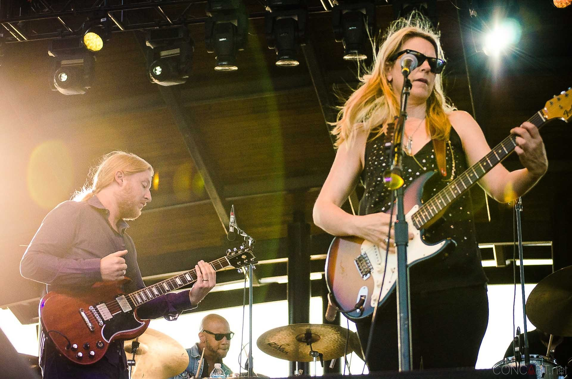 tedeschi_trucks_band_live_the_lawn_indianapolis_2013-02