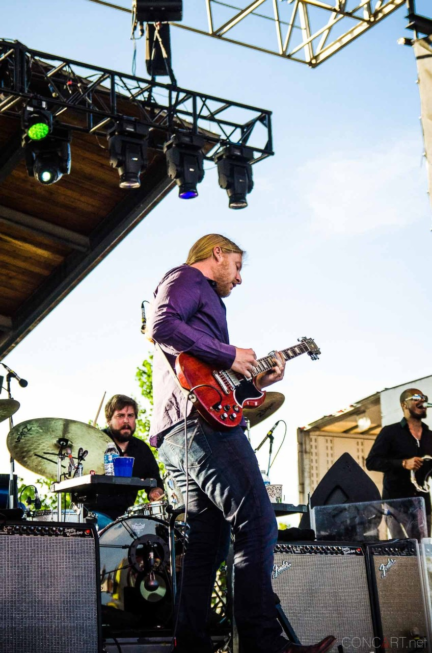 tedeschi_trucks_band_live_the_lawn_indianapolis_2013-05