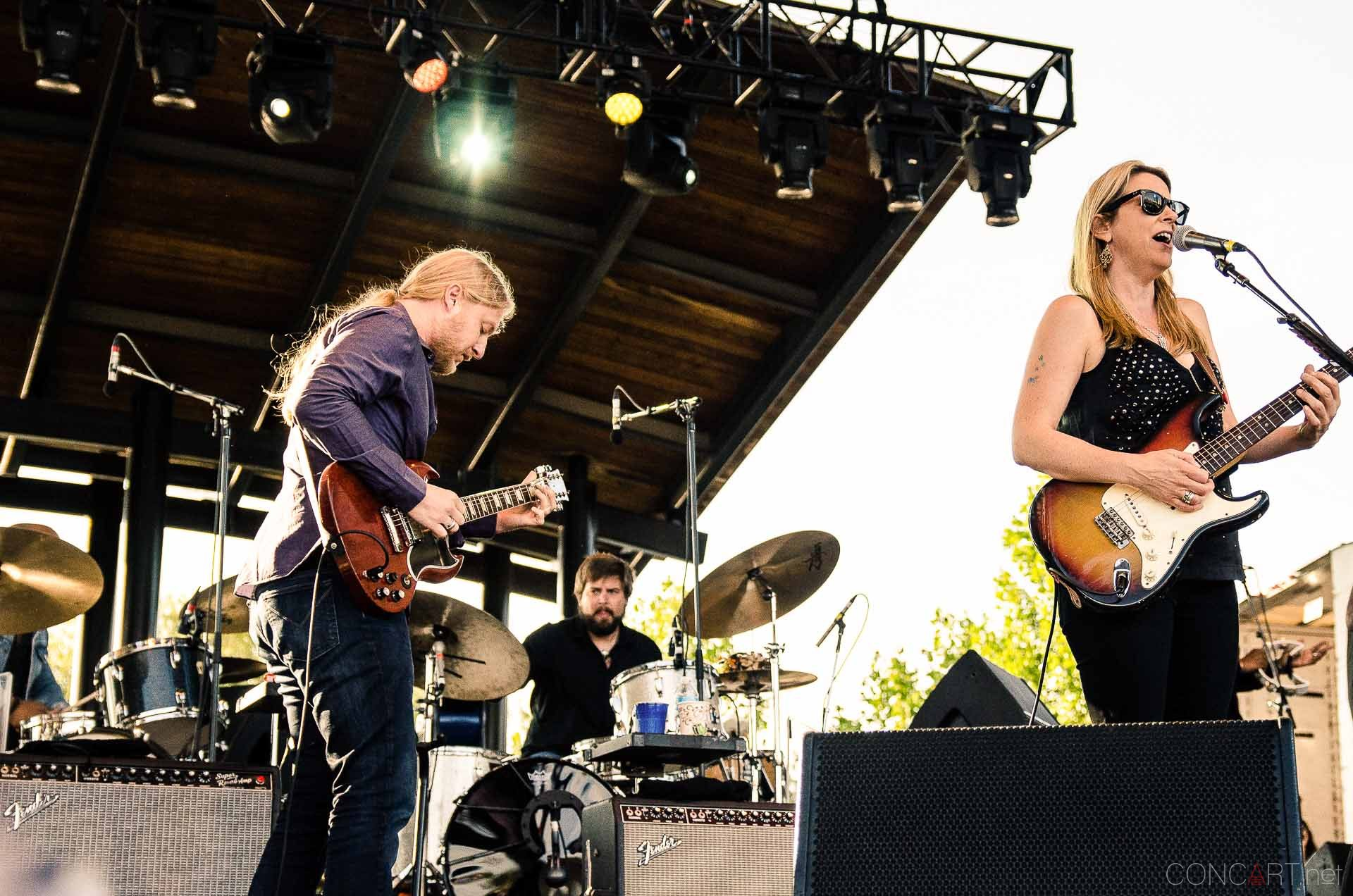 tedeschi_trucks_band_live_the_lawn_indianapolis_2013-06