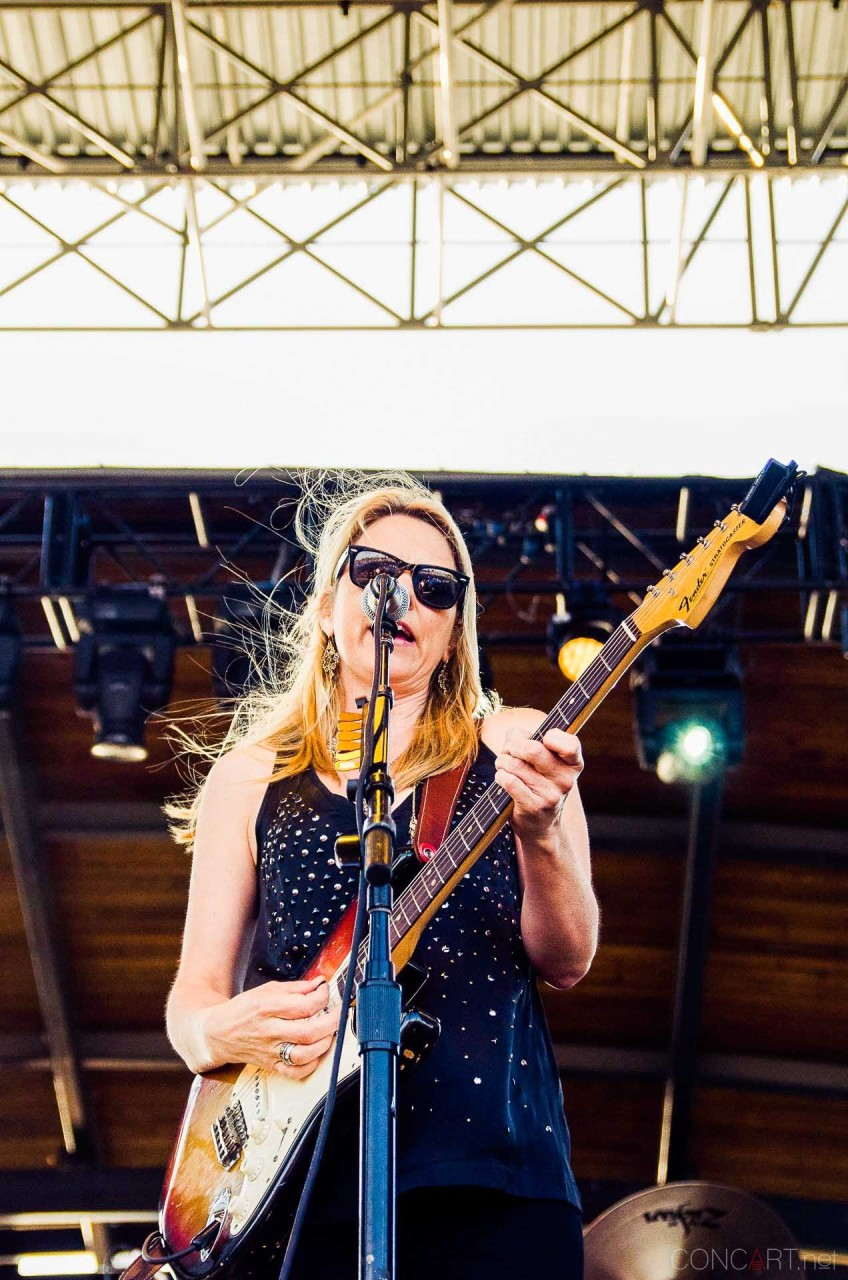 tedeschi_trucks_band_live_the_lawn_indianapolis_2013-26