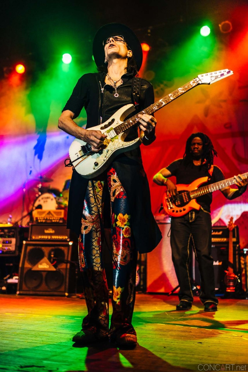 steve_vai_live_egyptian_room_old_national_indianapolis_2013-21