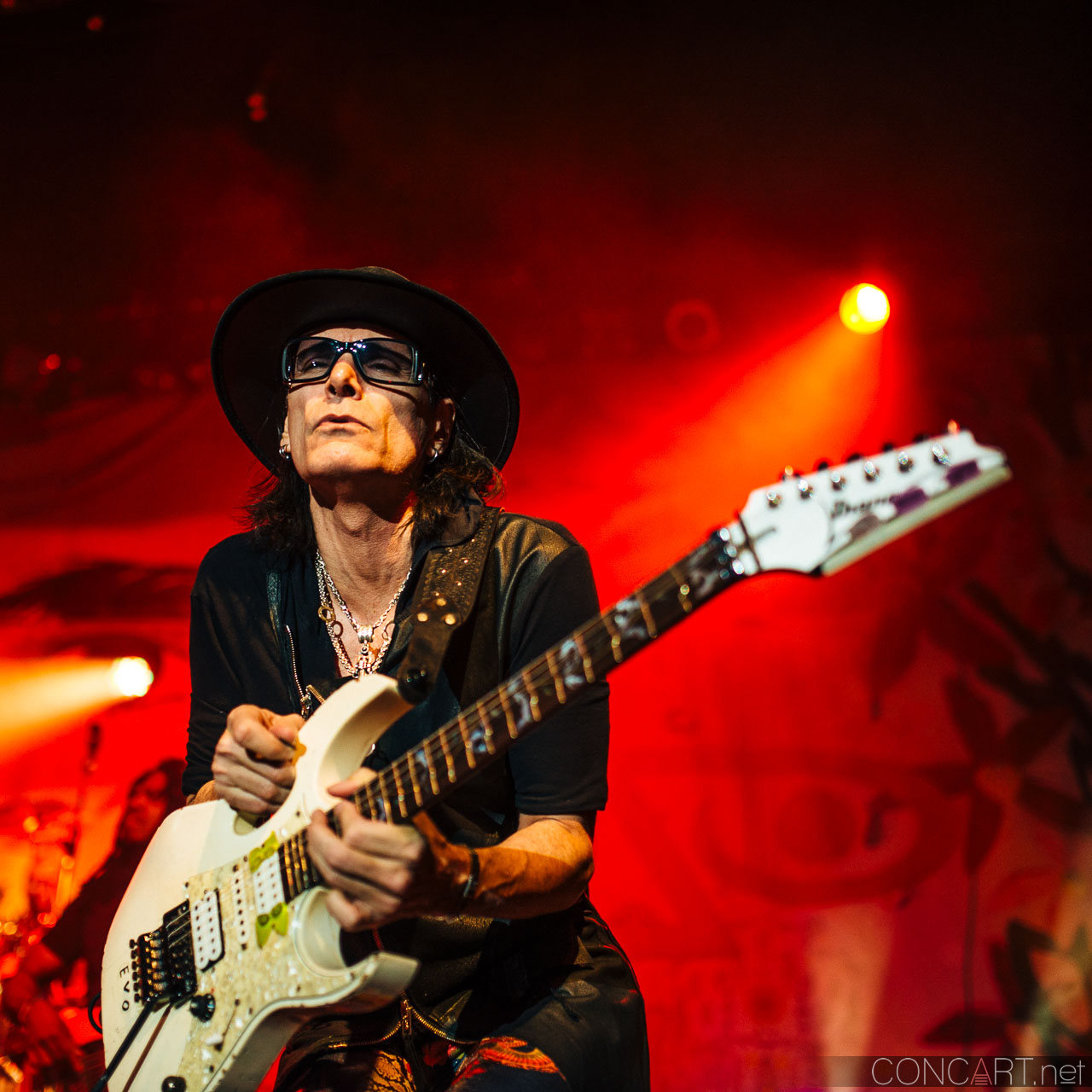 steve_vai_live_egyptian_room_old_national_indianapolis_2013-28