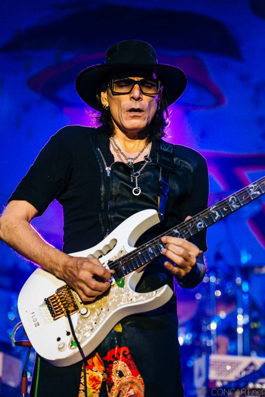 steve_vai_live_egyptian_room_old_national_indianapolis_2013-33