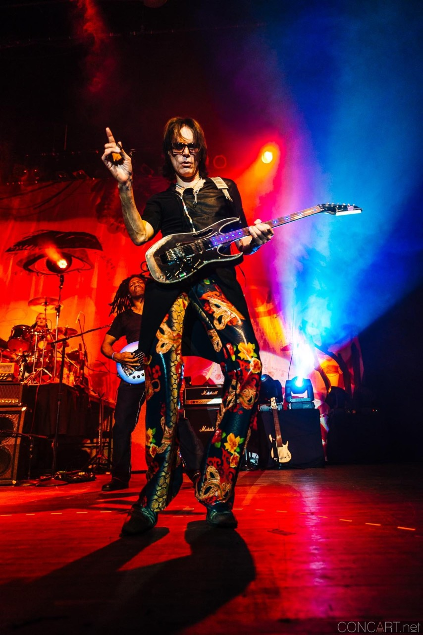 steve_vai_live_egyptian_room_old_national_indianapolis_2013-53