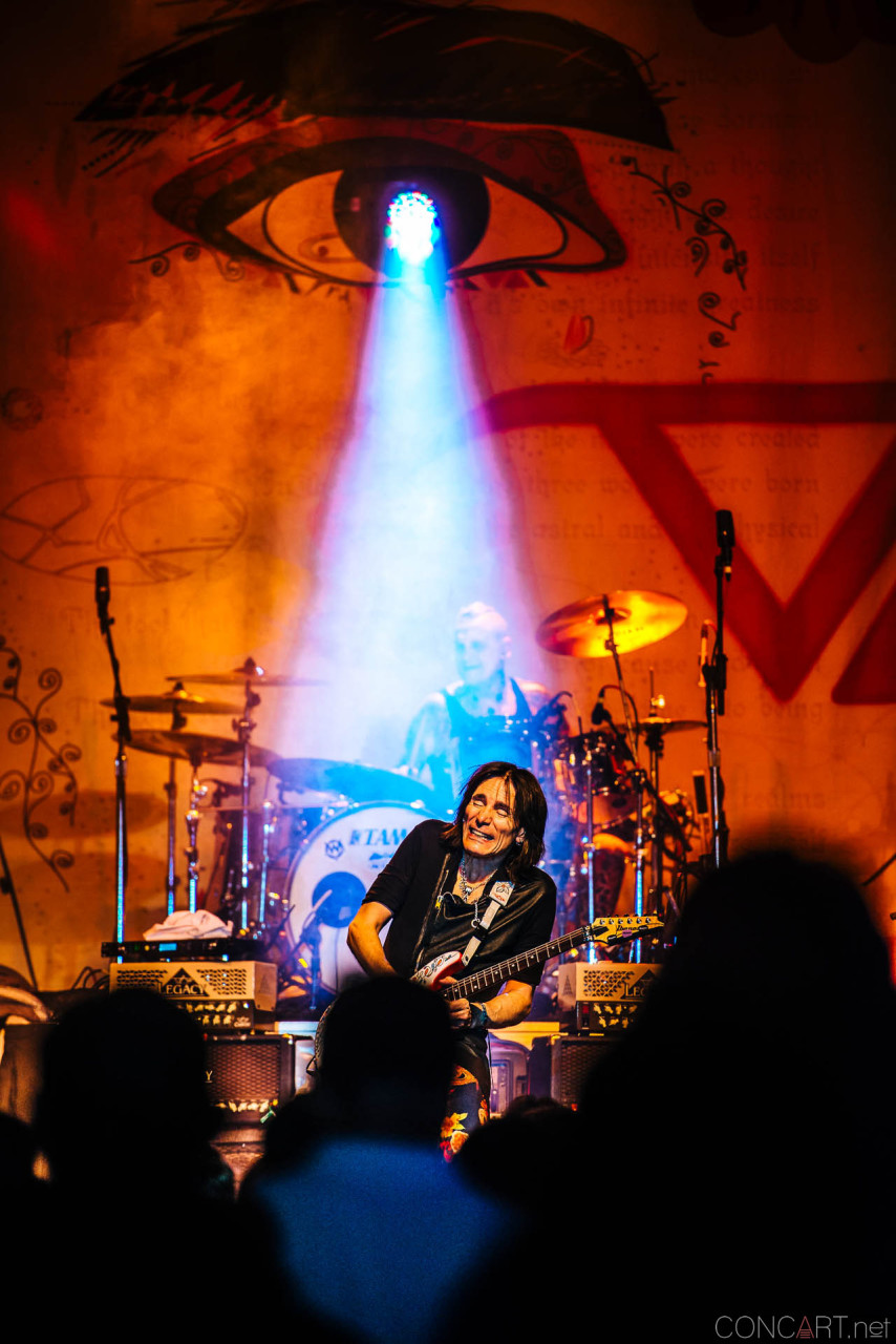 steve_vai_live_egyptian_room_old_national_indianapolis_2013-63