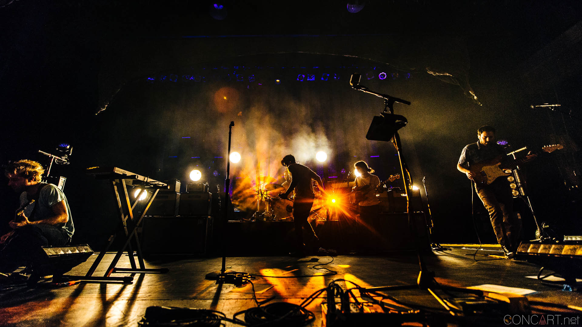 Young The Giant photo by Sean Molin 51