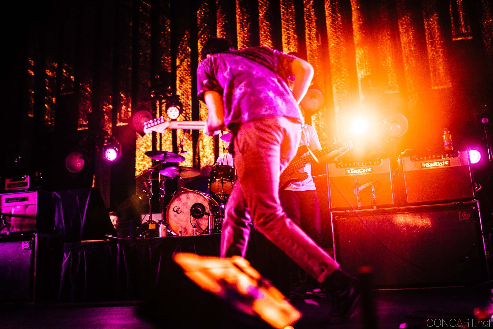 Young The Giant photo by Sean Molin 47