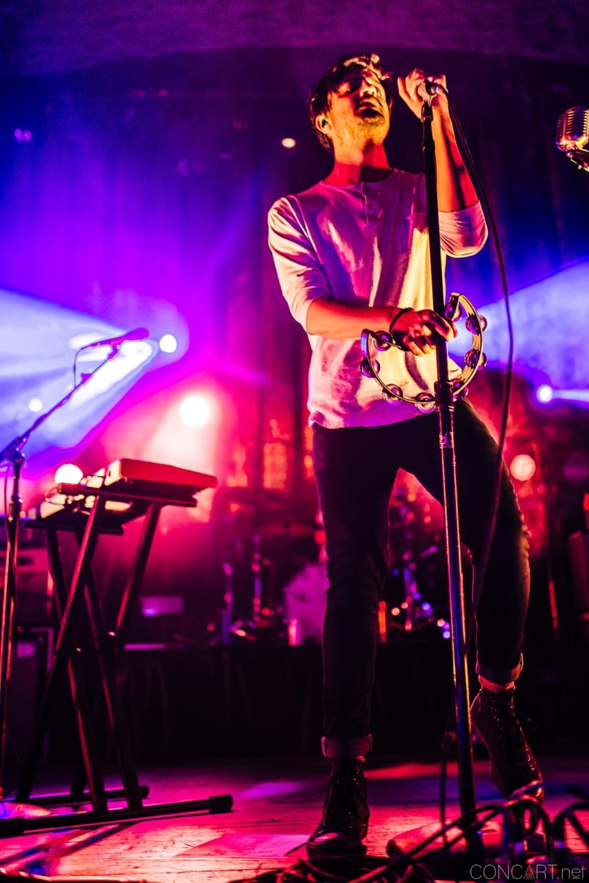 Young The Giant photo by Sean Molin 43