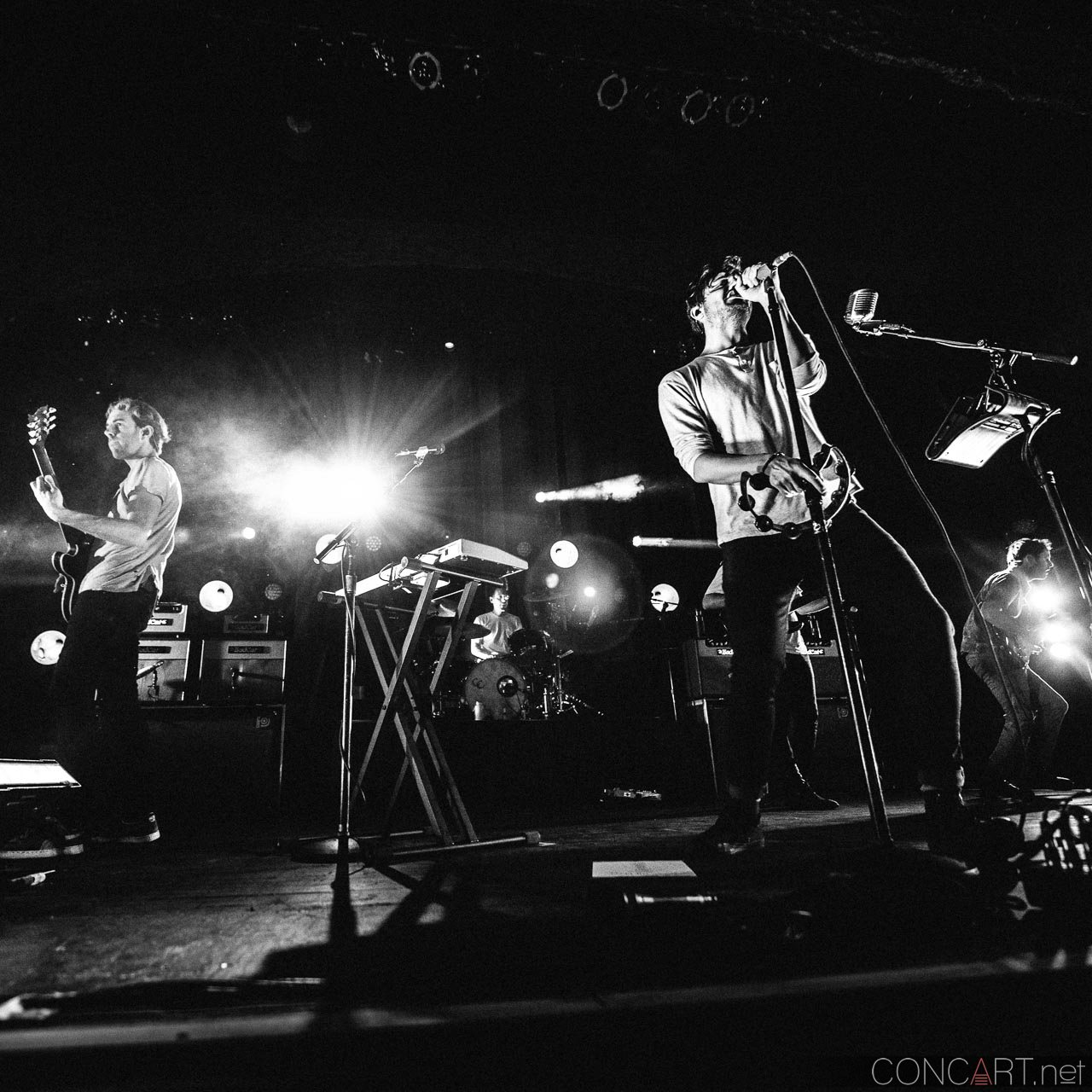 Young The Giant photo by Sean Molin 34