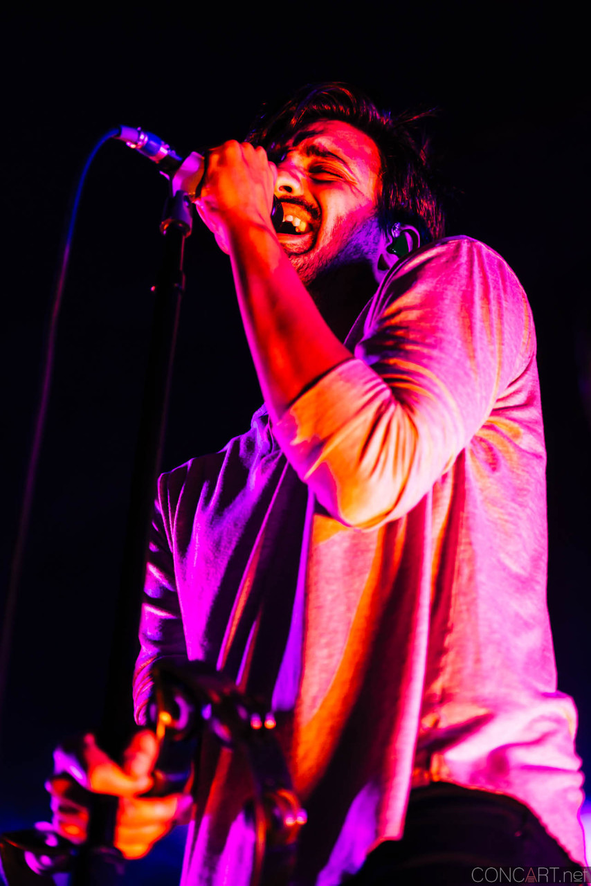 Young The Giant photo by Sean Molin 33