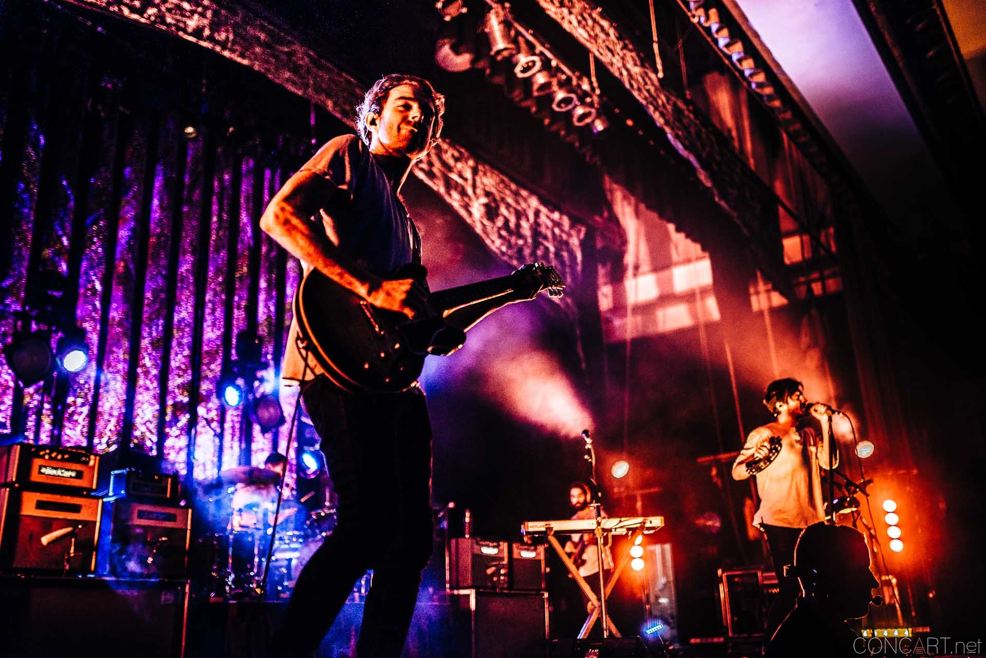 Young The Giant photo by Sean Molin 27