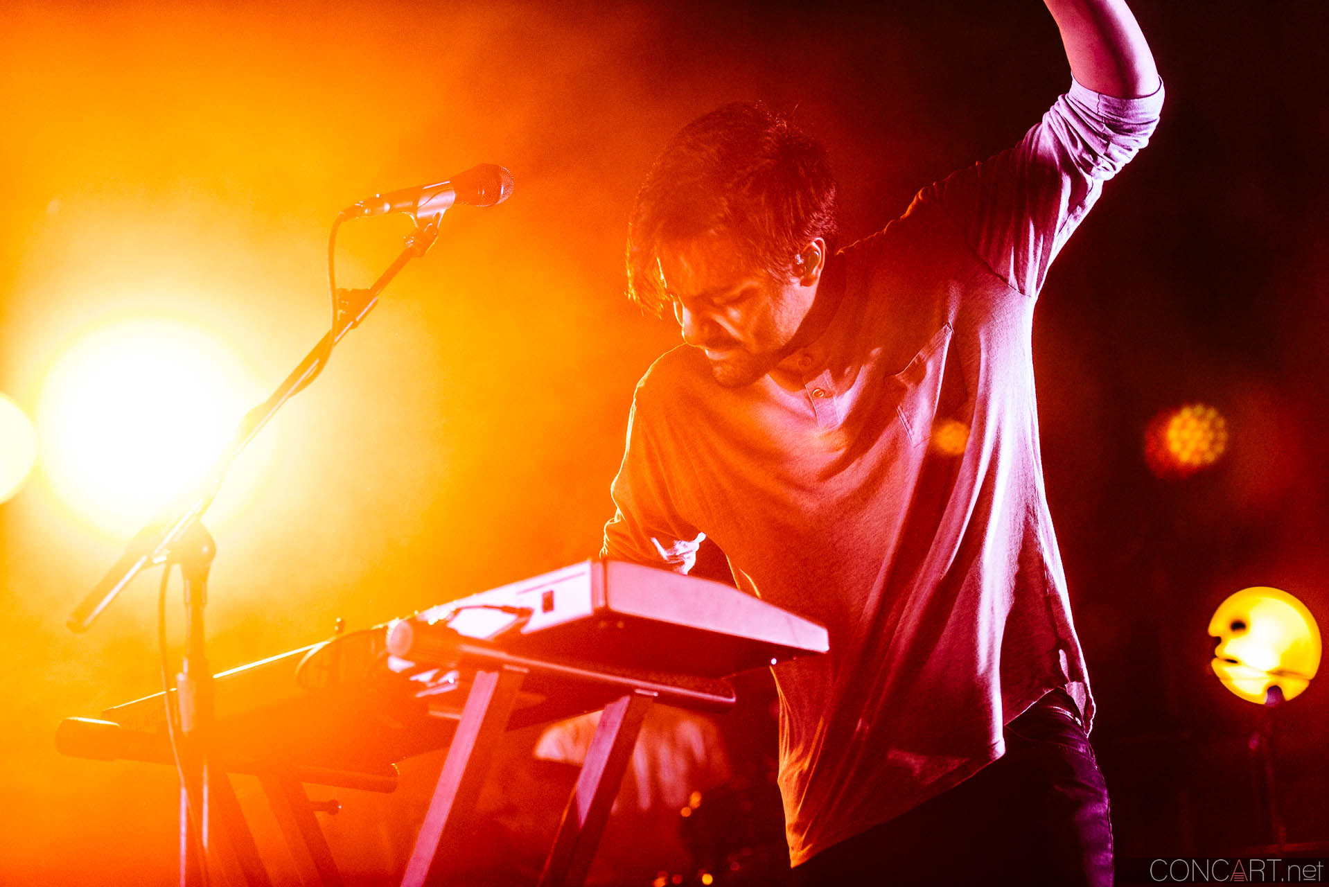 Young The Giant photo by Sean Molin 25