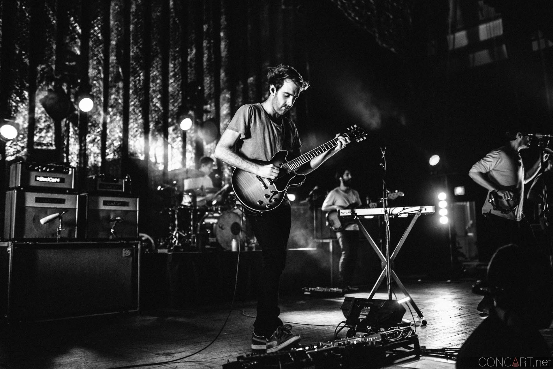 Young The Giant photo by Sean Molin 17