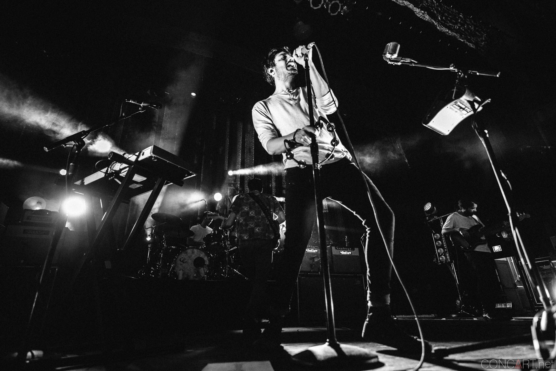 Young The Giant photo by Sean Molin 15