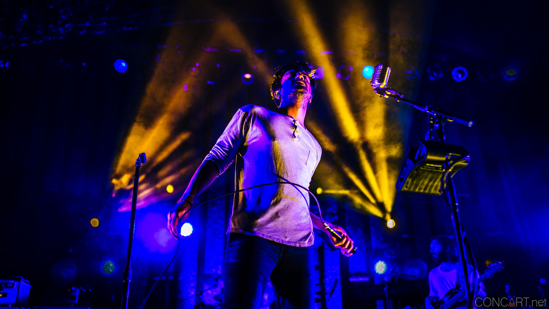 Young The Giant photo by Sean Molin 5