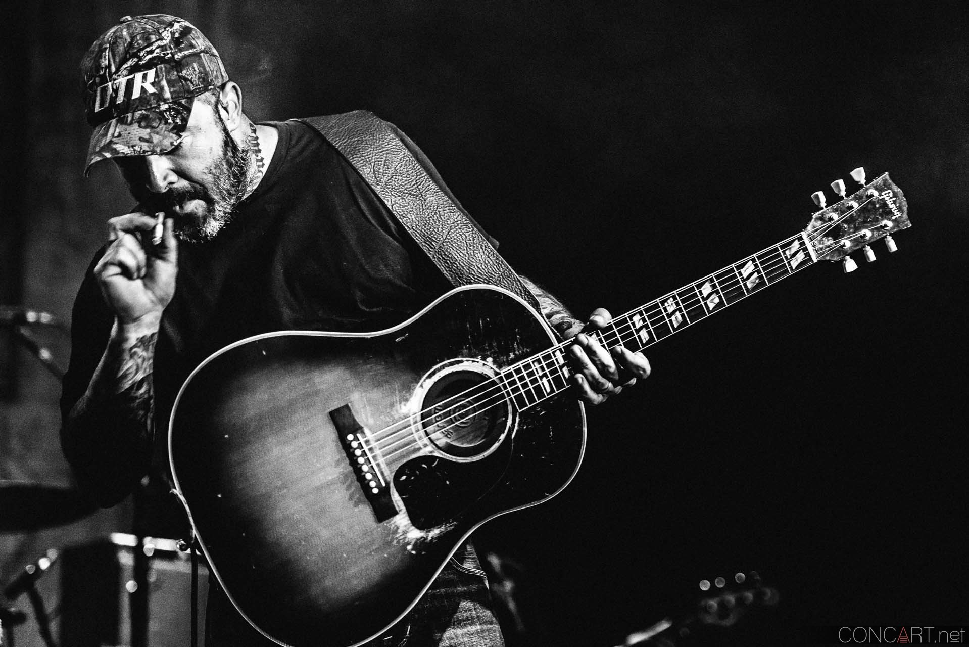 aaron_lewis_live_old_national_egyptian_room_indianapolis_2014-01
