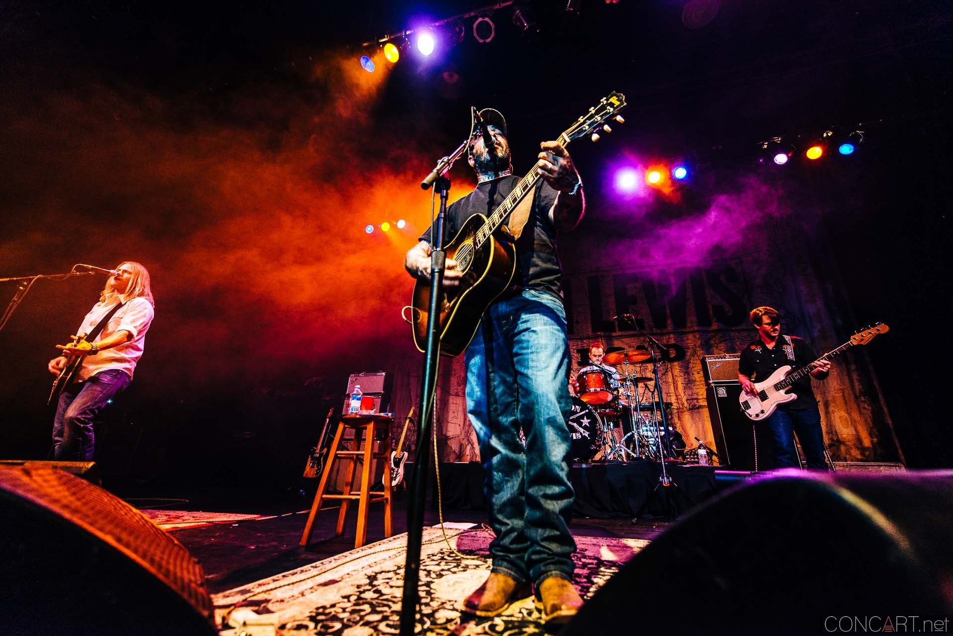 aaron_lewis_live_old_national_egyptian_room_indianapolis_2014-02