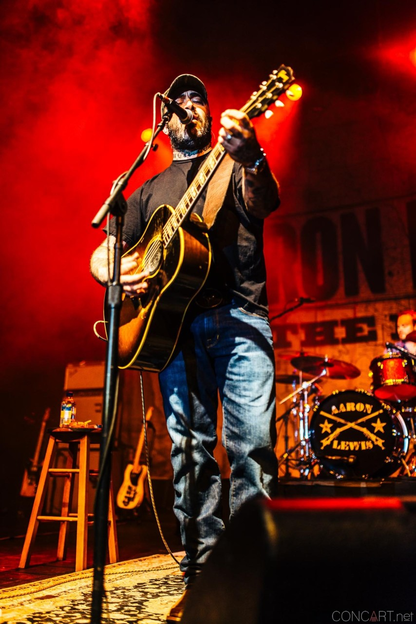 aaron_lewis_live_old_national_egyptian_room_indianapolis_2014-09