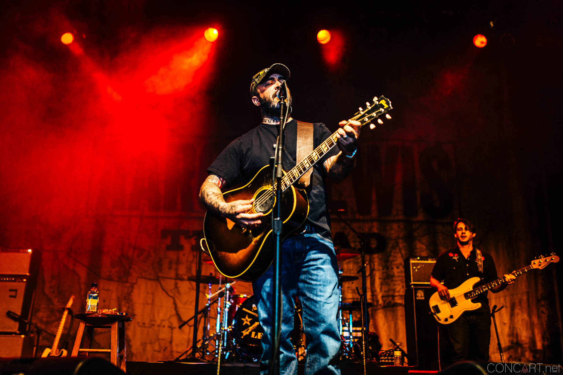 aaron_lewis_live_old_national_egyptian_room_indianapolis_2014-12