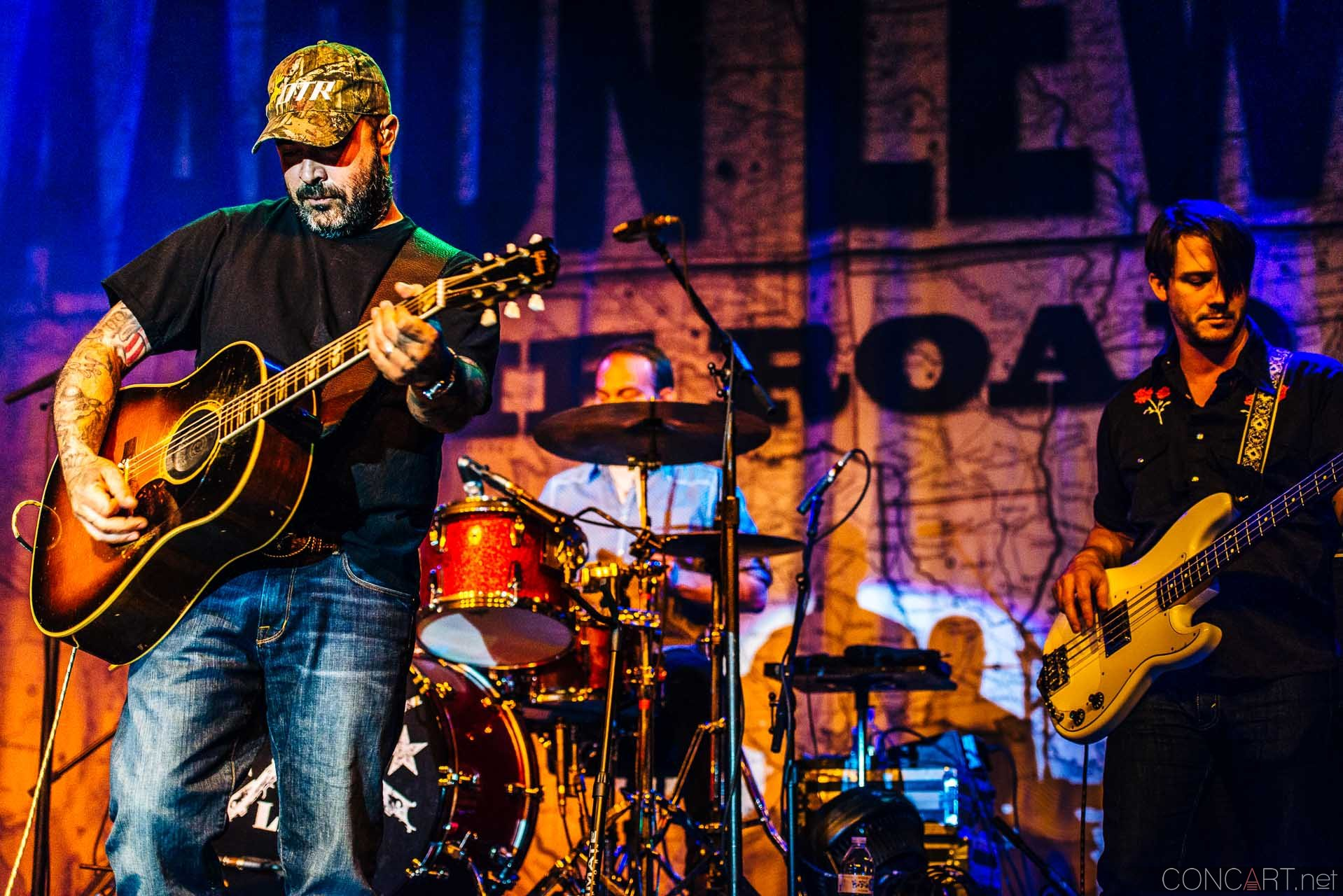 aaron_lewis_live_old_national_egyptian_room_indianapolis_2014-18