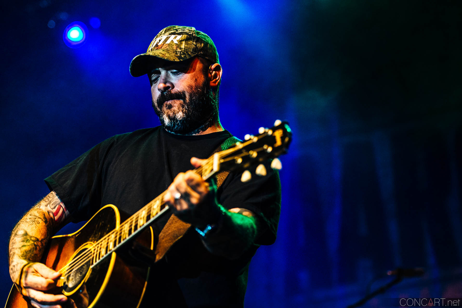 aaron_lewis_live_old_national_egyptian_room_indianapolis_2014-23