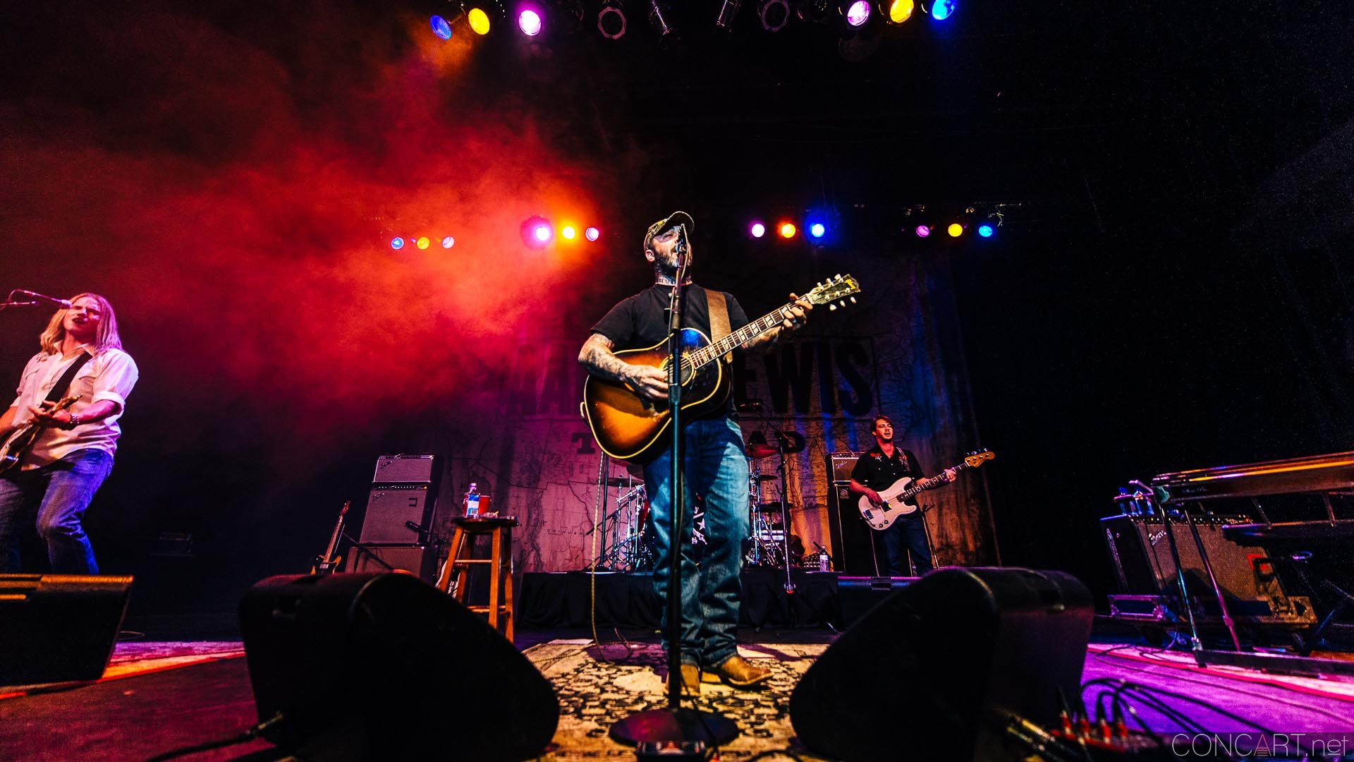 aaron_lewis_live_old_national_egyptian_room_indianapolis_2014-29