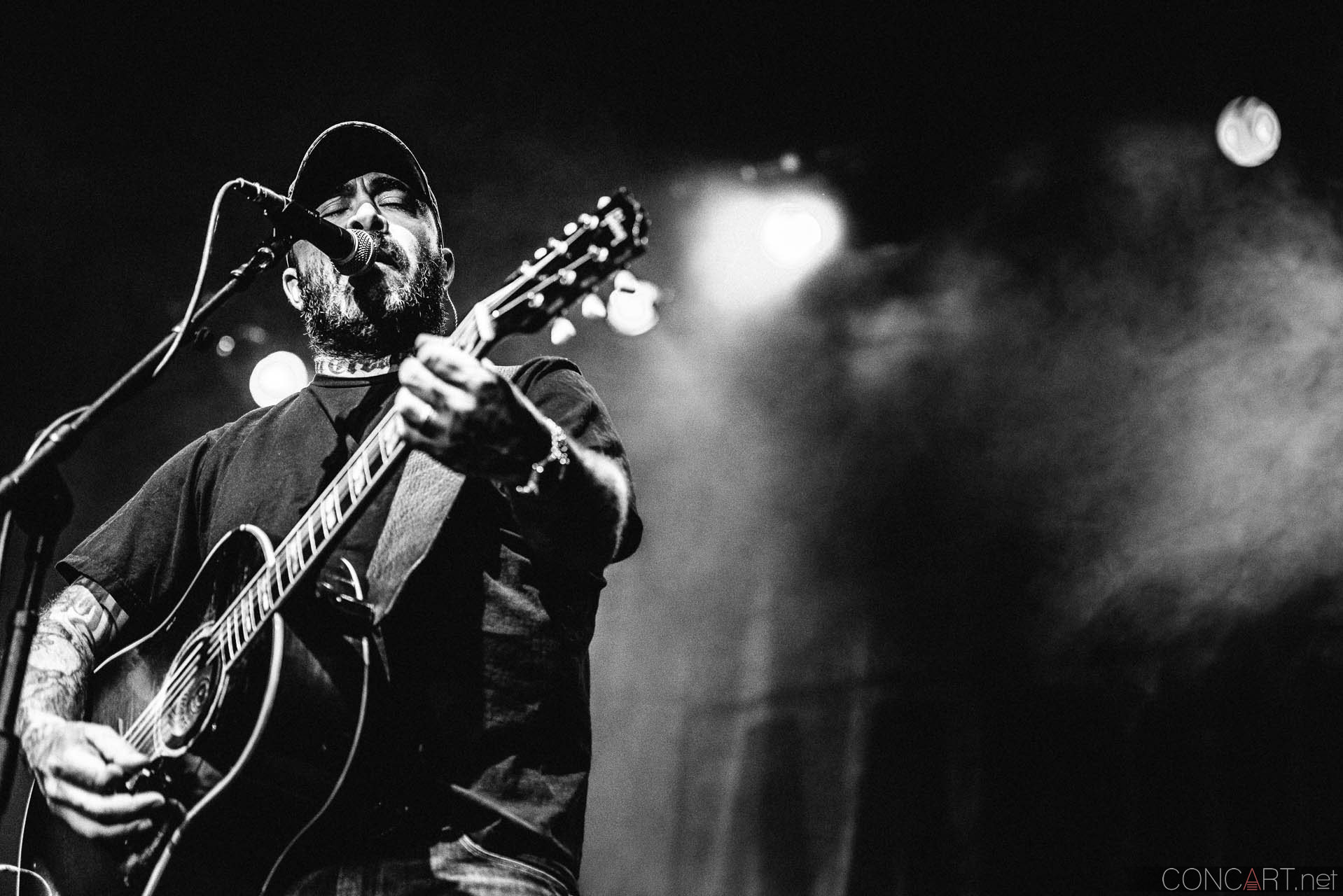 aaron_lewis_live_old_national_egyptian_room_indianapolis_2014-31