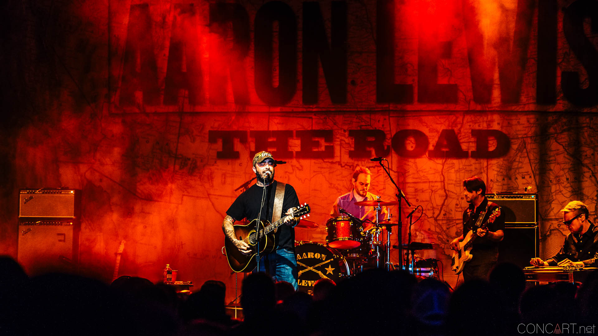 aaron_lewis_live_old_national_egyptian_room_indianapolis_2014-33