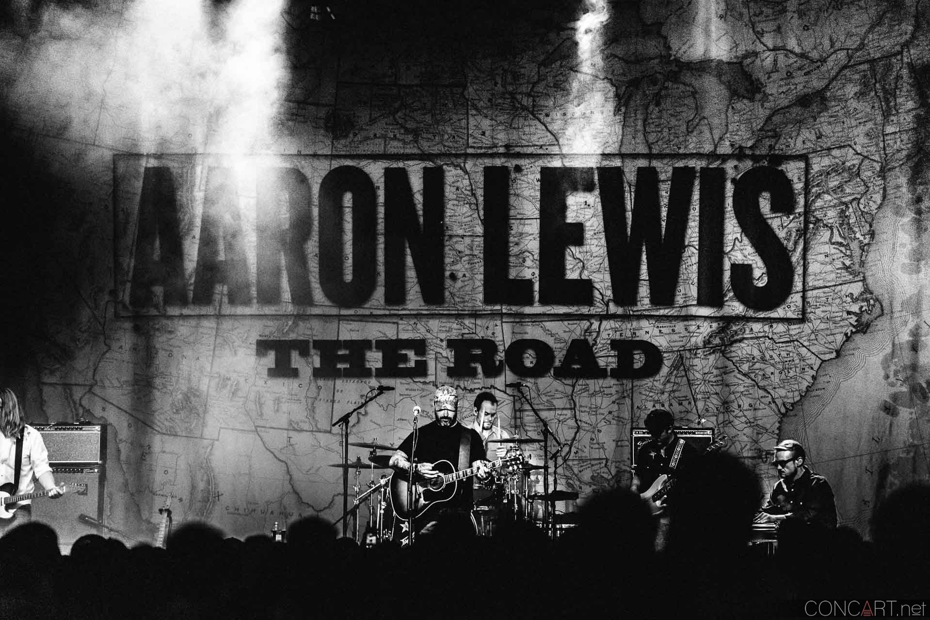 aaron_lewis_live_old_national_egyptian_room_indianapolis_2014-35