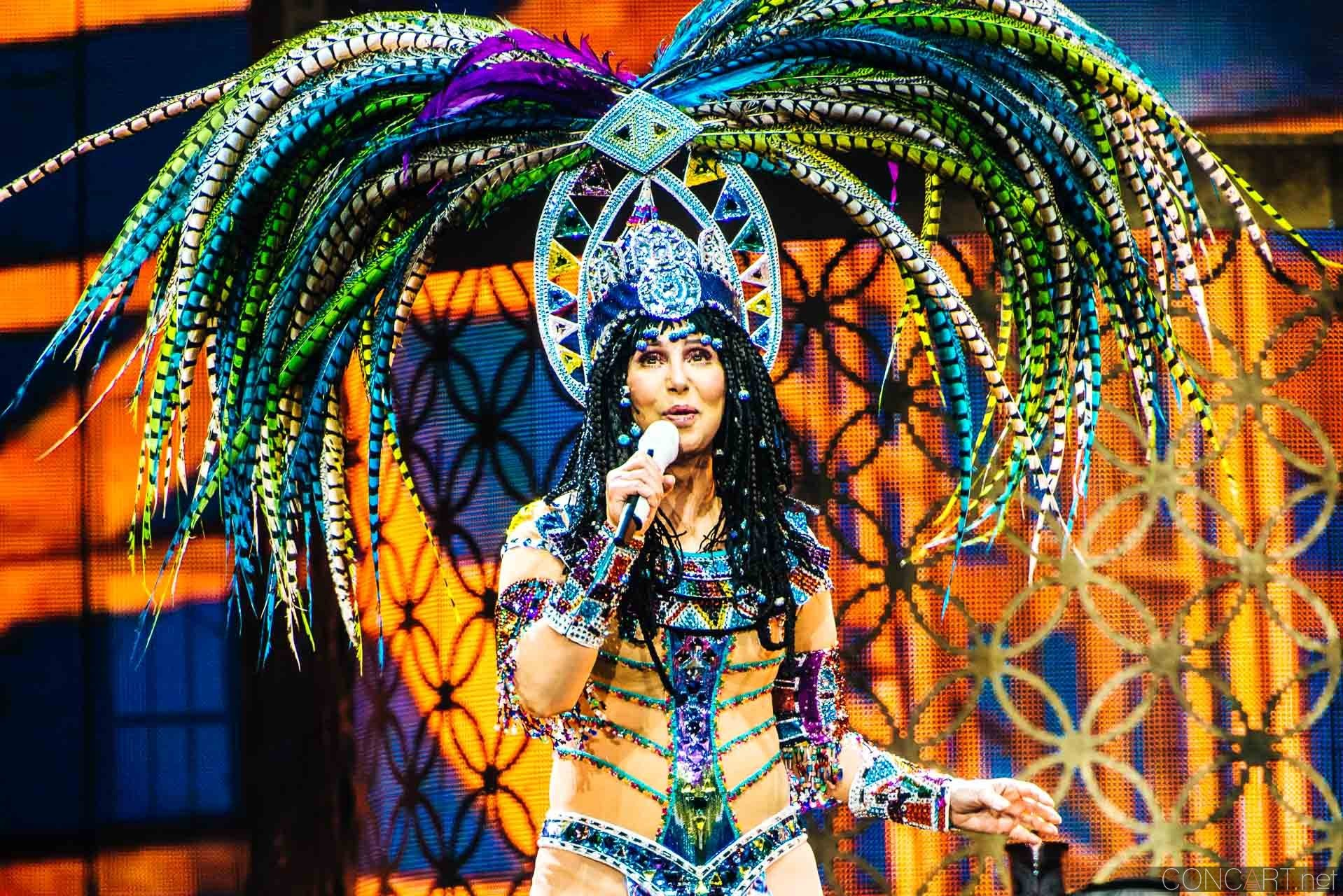 Cher photo by Sean Molin 24