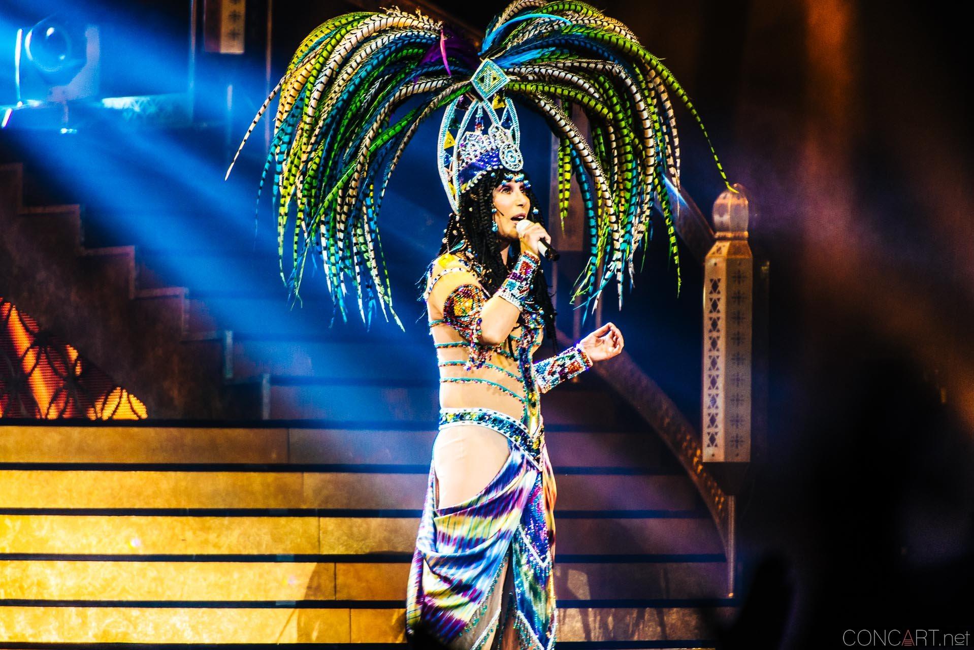 Cher photo by Sean Molin 21